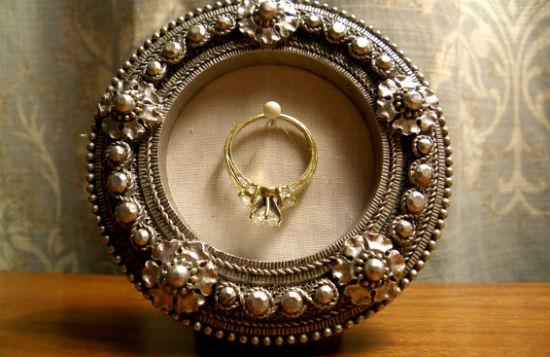 Что дарят на серебряную свадьбу жене.