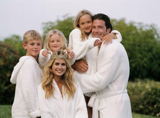 Махровые халаты для членов семьи.