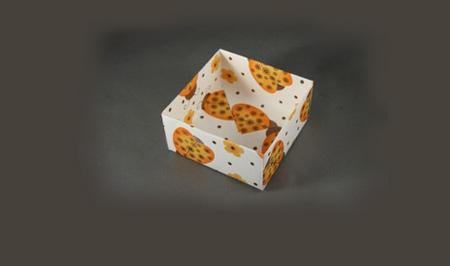 Оригами коробочка из бумаги.
