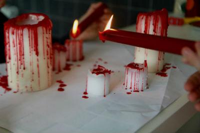 Окровавленные свечи.