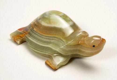 Черепаха из оникса.