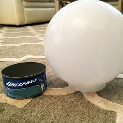 Как сделать большой новогодний шар своими руками.