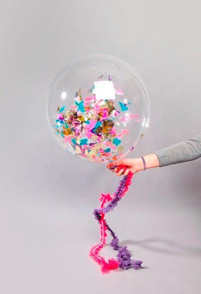 Воздушный шарик с пожеланиями.