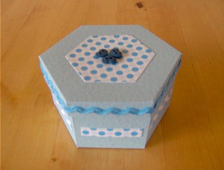podarochnay-korobka-svoimi-rukami-29 Упаковка подарков своими руками I Как сделать упаковку для подарка?