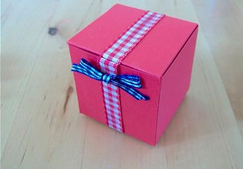 podarochnay-korobka-svoimi-rukami-35 Упаковка подарков своими руками I Как сделать упаковку для подарка?
