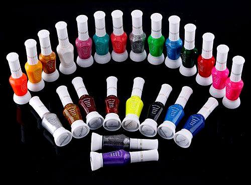 Большой комплект лаков для ногтей позволит Вам часто проводить эксперименты с оттенком своих ноготков.