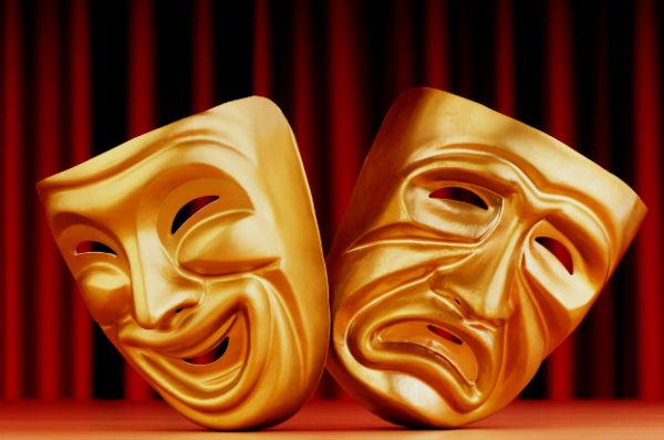 Купите билеты в театр на душевную постановку или посетите балет.