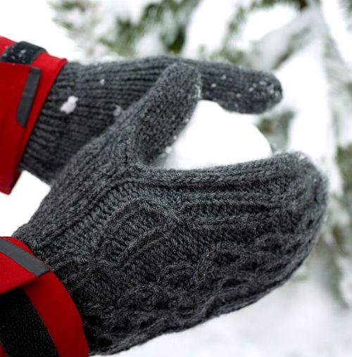 Вязаные рукавицы.