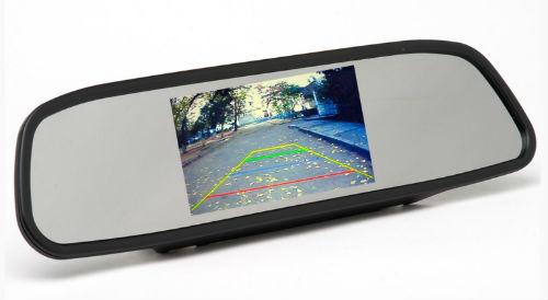 Автомобилисту понравится зеркало заднего вида с камерой.