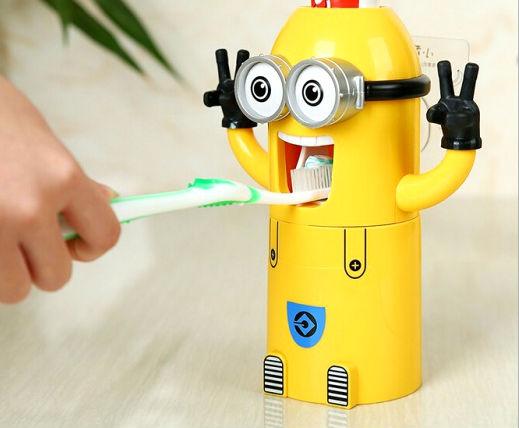 Дозатор для зубной пасты.