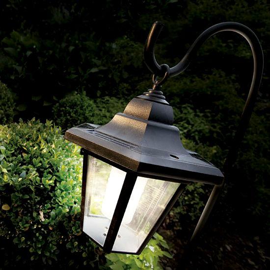 Уличные фонари однозначно понравятся хозяйственному мужчине.