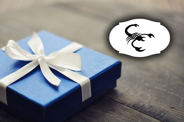 chto-podarit-myzhchine-skorpiony-4