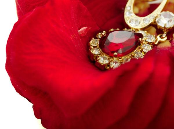 Как называется 40 лет свадьбы, а также традиции и идеи подарков
