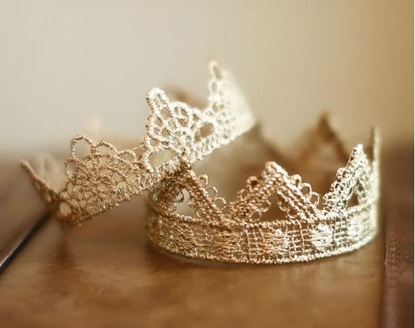 75 лет свадьбы: королевское название, традиции и идеи подарков