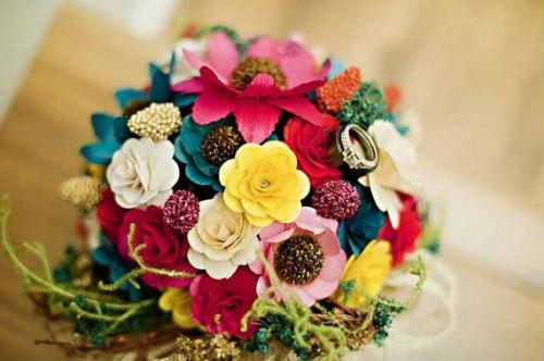65 лет свадьбы: название, традиции и идеи подарков