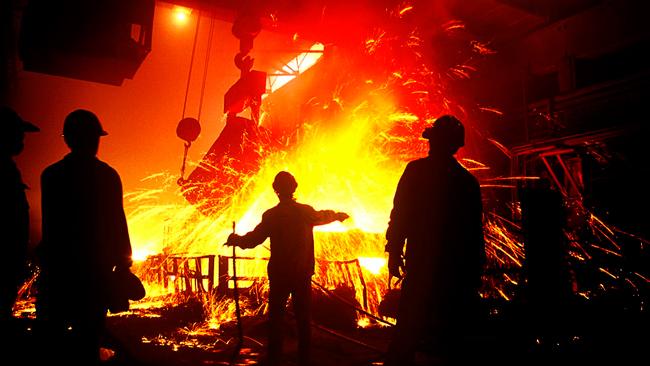 История Дня металлурга: какого числа отмечается и идеи подарков