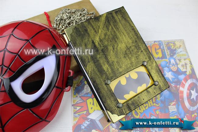 Блокнот в стиле Бэтмена.