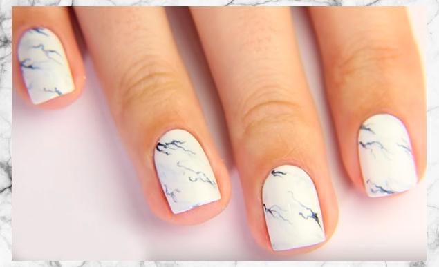 Как сделать мраморный маникюр: идеальный дизайн ногтей к любому празднику